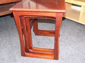 Nathan nest of three tables