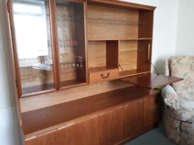 Display unit and side board with drinks cabinet.good condition . Buyer to collect
