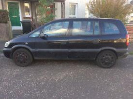 Selling Vauxhall Zafira Black 2002, 97000 mileage
