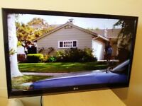 "Excellent 32"" LG LED TV full hd ready 1080p freeview inbuilt"