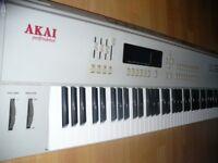 Akai MX1000 Midi controller 73 keys