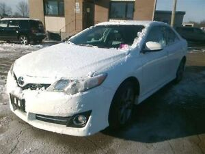 2014 Toyota Camry SE V6 WITH LEATHER & MOONROOF