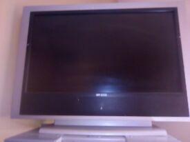 Old flat screen 32 inch TV, has hdmi, no USB.