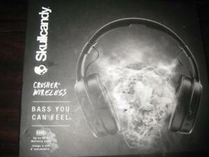 Skullcandy Crusher Wireless Headphones / Headset Mic. Bluetooth. 40 Hour Battery. Stereo Design. Haptic Bass Control