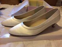 Rainbow Club size 9 Bea bride bridal wedding shoes new