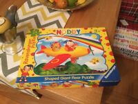 GREAT NODDY JIGSAW PUZZLE WITH BIG PIECES & LOVELY BRIGHT COLOURS IN EXCELLENT CONDITION.