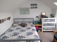 Room to rent in Bow. Short rent! (Only July)