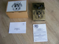 GUITAR DISTORTION EFFECTS PEDAL SNARLING DOGS NEW BOXED