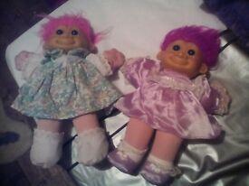 2 troll dolls
