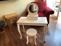 Girls dressing table with stool and mirror unit