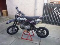 140 stomp pit bike used twice perfect condition