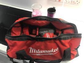 Milwaukee 18v sds