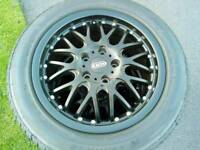 Alloy wheels / tyres