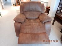 RECLINING TAN ARMCHAIR