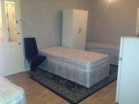 Bed to let in roomshare with Ukrain & Lithunia guys in flatshare at Behnal green & Stepney Green
