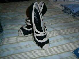 LADIES HIGH HEEL SHOES - BRAND NEW SIZE 7
