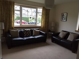 Lovely 2 bed ground floor flat in Morningside maintained gardens close to bus routes