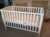 Mamas and Papas Willow Cot, White, Sleepsafe Deluxe Foam Mattress also provided excellent condition