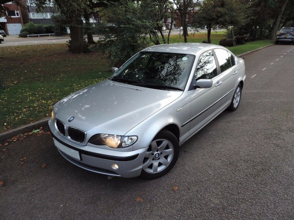BMW 325I SE - 5 SPEED MANUAL - SILVER-FULL SERVICE HISTORY-HEATED LEATHER SEATS-PARK ASSIST-3 KEYS