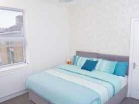 Short Stay....Lovely 2 Bed Maisonette On Church Road,Bristol BS5 £700.00 per week.