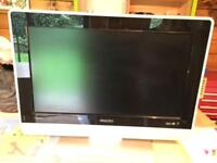 Phillips 26inch TV with remote control Model 26PF7521d/10 and wall bracket