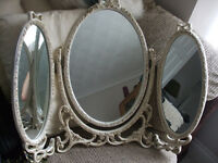 DRESSING TABLE RETRO TRIPLE MIRROR SET COLOUR- IVORY SEE PICTURES