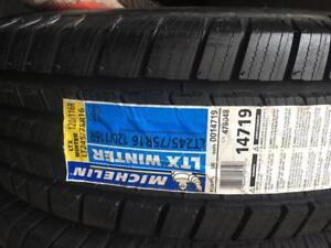 2 pneus LT 245/75/16 Michelin LTX winter nouveau