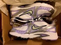Brand new girls nike trainers. 100% genuine. clearing stock