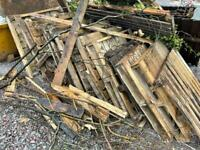 Free Pallets (Roughly 10-15 in mixed conditions)