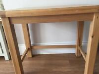 Oak style coffee table in excellent condition