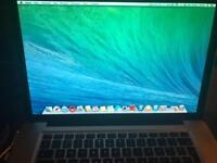 MacBook Pro 15 . 8GB Ram , 500HDD