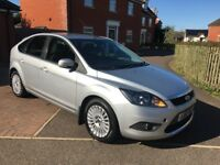 2010 FORD FOCUS TITANIUM 1.6 Alloy Wheels, Heated Seats + £30 a year Tax