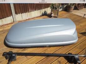 Halfords 360 litre roof box - half width
