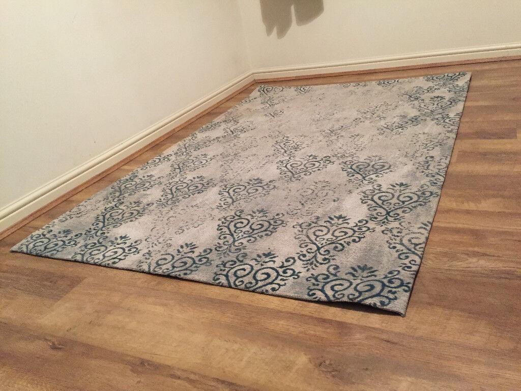 Stylish Carpet (good condition)