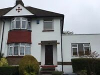 Family Home in Prime Location in Coulsdon Close to M23 and Gatwick Airport