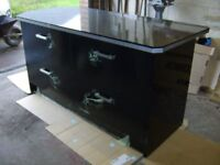 Kitchen island/breakfast bar/drawer unit ,BRAND NEW,high gloss black,wrapping film still on fronts
