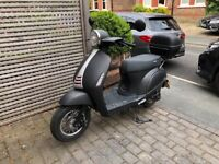 Sinnis Encanto 50cc scooter with top box