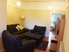 AVAILABLE NOW - 2 bedroom fully furnished main door property - Easter Road