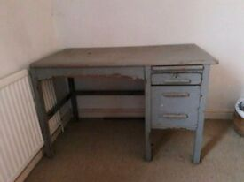 lovely Vintage desk in solid wood with draws