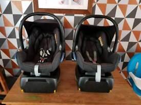 2 Maxi Cosi Car seat and iso fix set