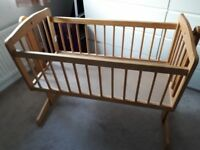 baby crib - great condition