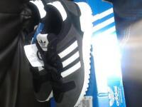 zx700 adidas size 8 brandnew