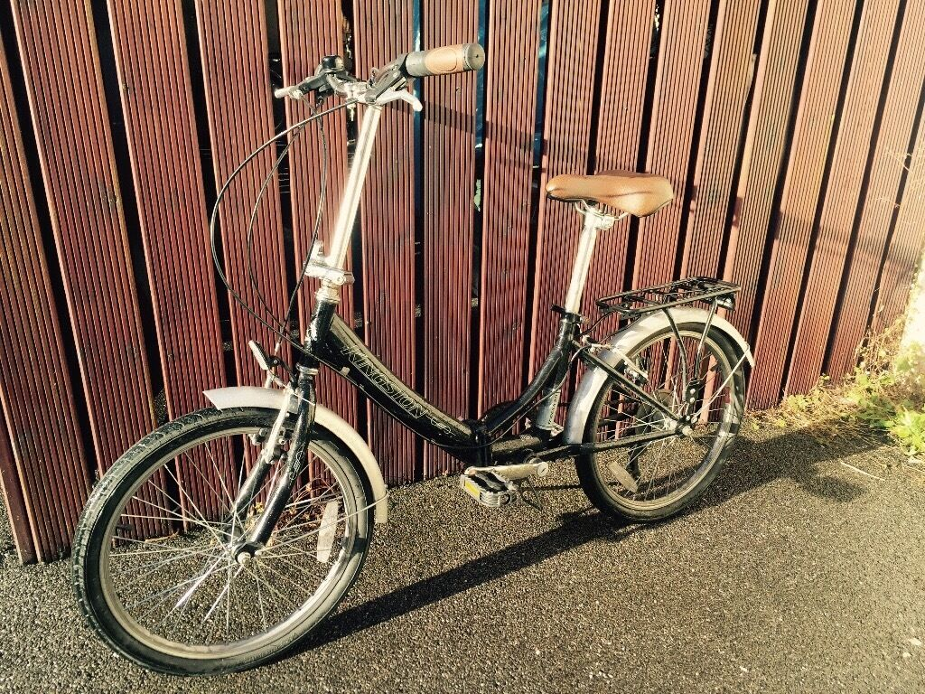 Kingston Freedom Folding Bicyclein Totterdown, BristolGumtree - Kingston Freedom, Folding Bike RRP £174.99 The Kingston Freedom 6 speed folding bike has a hand made hinged steel frame and reliable componentry it includes 6 speed Shimano gears with Microshift rotational shifters for quick, sharp and simple...
