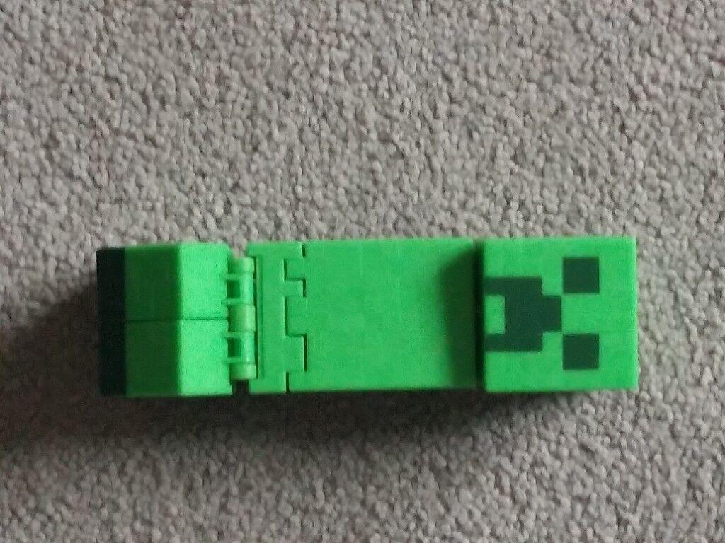 Minecraft figures Skeleton and Creeper