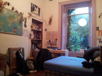 Beautiful Sunny Large Double Room for Festival! Furnished.
