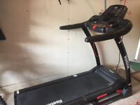 Electronic Folding Treadmill Reebok ONE GT40S With 36 workouts, Electronic incline, pulse grips