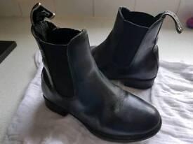 Size 12 jodphur boots
