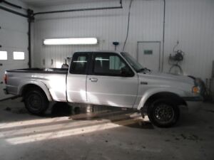 2003 Mazda Camion Pick-up Série B SX/SE