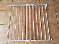 Lindam push to shut extending metal safety gate