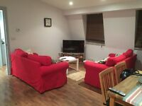 Couples: Large double room in MILE END/Roman Road area!!!
